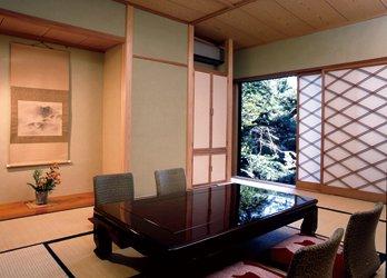 日本庭園の眺められる一室写真